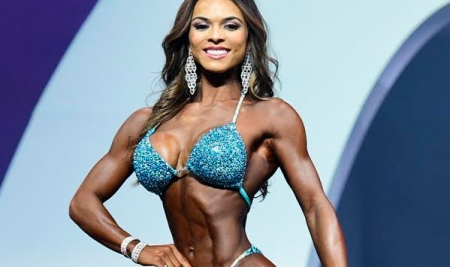 2019 Miss Olympia Bikini Elisa Pecini
